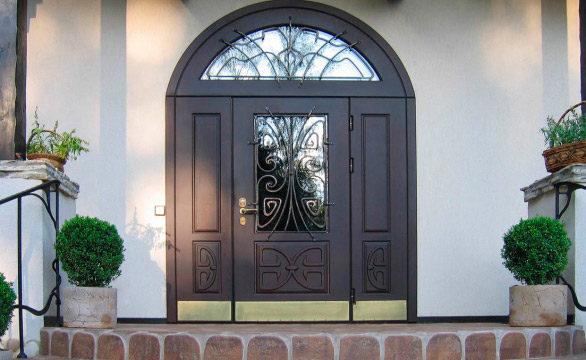 Арочные двери в дом, коттедж.