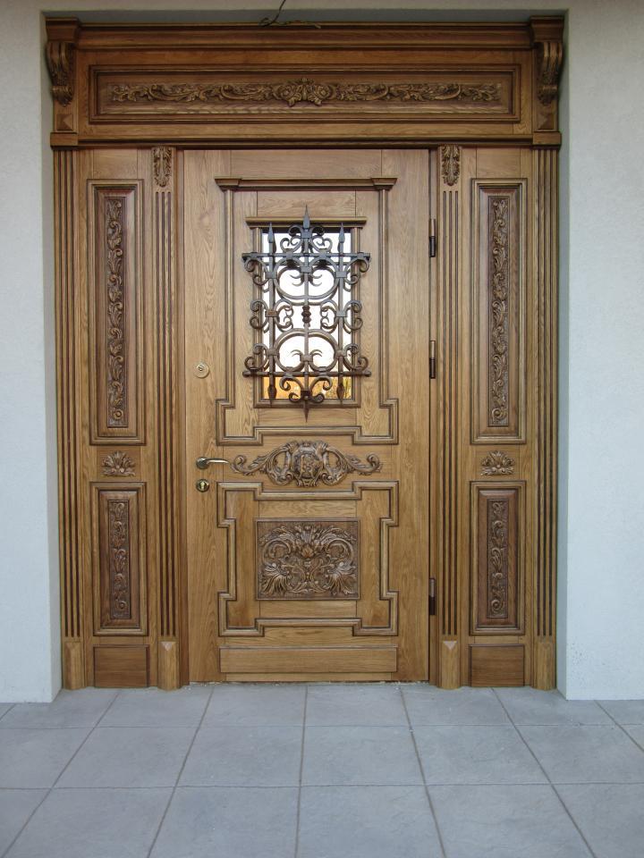 двери с резьбой купить в Москве и области