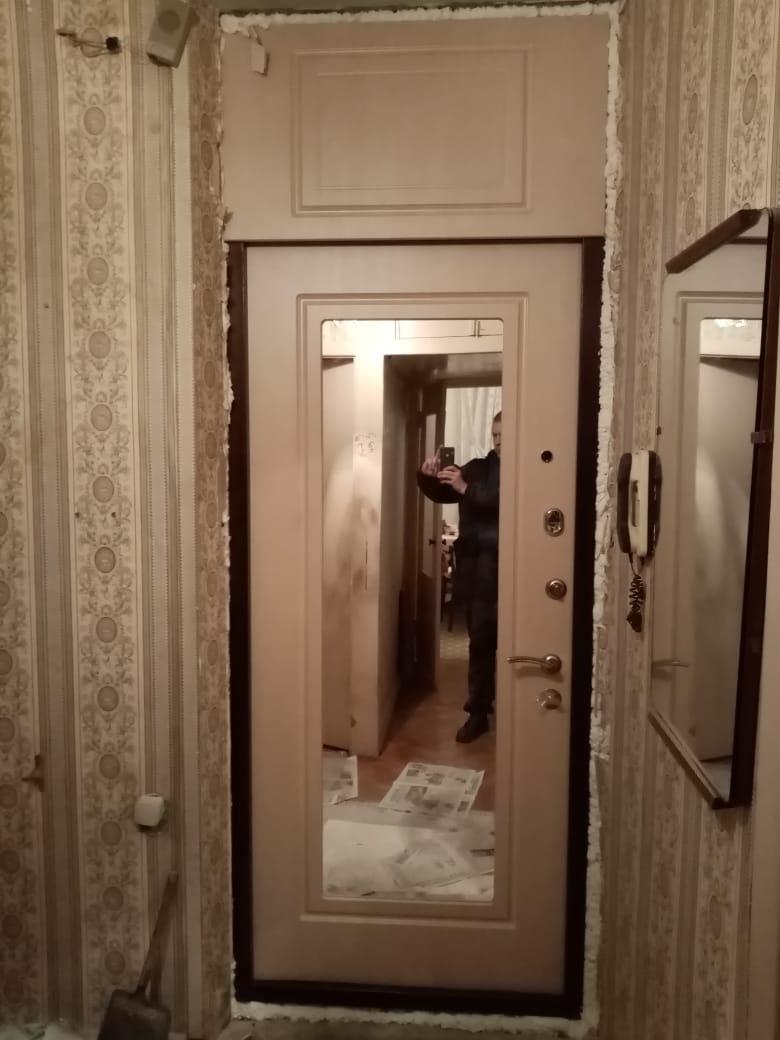 двери входные под заказ с зеркалом Москва