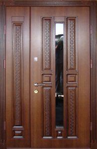 входная дверь +в частный дом со стеклом