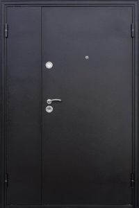 двери двухстворчатые в покрасе