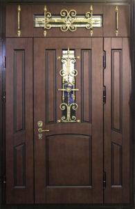 стальная дверь с панелями шпон