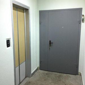 двери тамбурные коллективные в покрасе от производителя