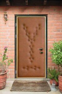 металлические двери в дом в обивке эконом