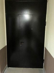 двери на площадку с верхней вставкой купить