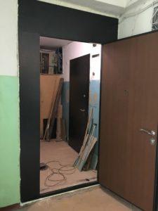 двери стальные на площадку с отделкой ламинат заводские