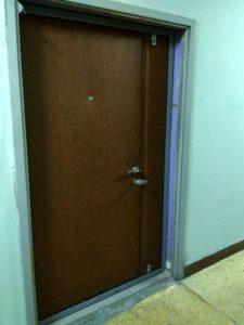 входные тамбурны двери в обивке купить