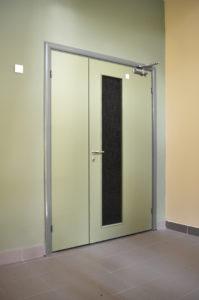металлические двери в тамбур со стеклом купить под заказ