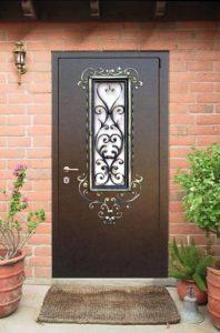 стальные двери в дом напыление со стеклопакетом